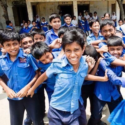 Schueler in Bangladesch