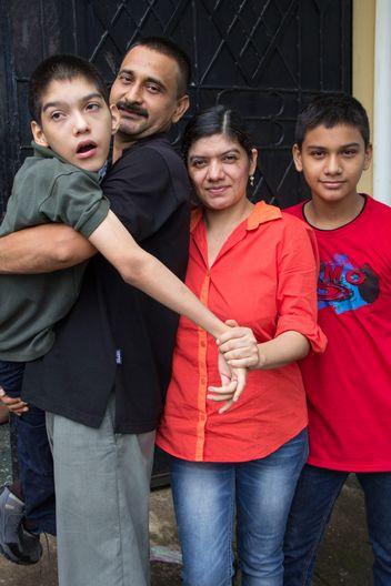 Carla, ihr Sohn Alex und der Rest der Familie sind schon seit zwei Jahren teil des Projekts.