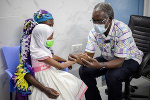 Bis zu 7.000 Kinder werden im Orthopädischen Trainingszentrum im ghanaischen Nsawam behandelt: Sie bekommen Prothesen und Physiotherapie, lernten unter professioneller Anleitung Laufen, Sitzen und Rollstuhlfahren.