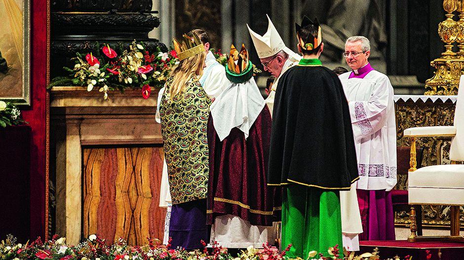 Città' del Vaticano, 01-01-2017.  La Santa Messa presieduta dal Santo Padre papa Francesco nella solennità' di Maria Santissima Madre di Dio nella Giornata Mondiale della Pace.