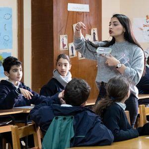 Unterricht über Religionen, Alwan Lehrerin Jessica Youssef, Besançon School, Ba'abda, Beirut, Libanon, 1/2019