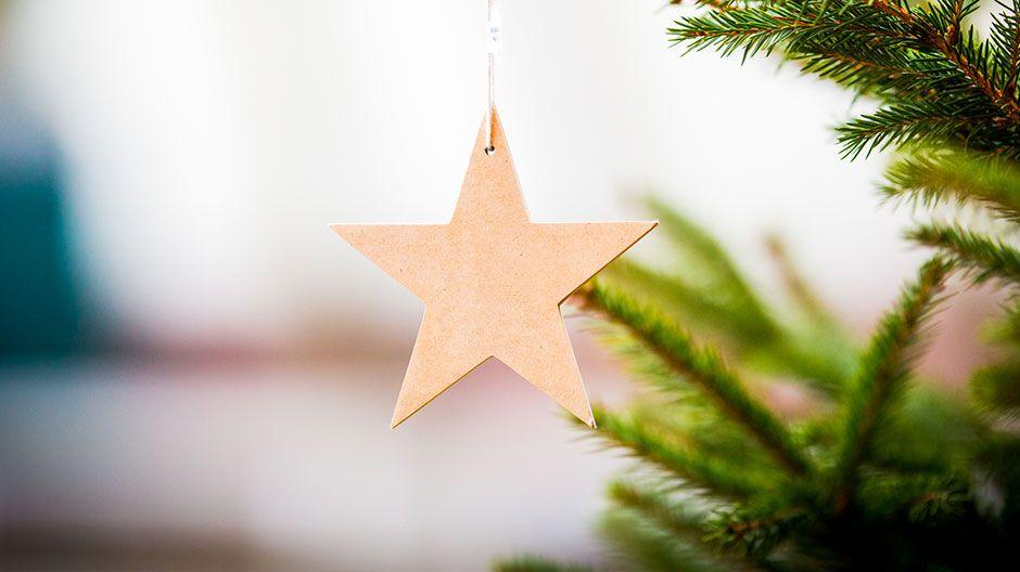 Weihnachten Weltweit - faire Weihnachtsbaumsterne zum Selbstgestalten