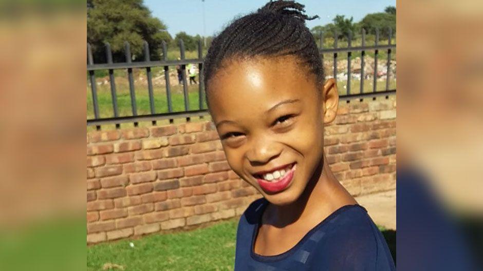 Jamimah ist elf Jahre alt und lebt in Südafrika. Sie ist traurig, da sie nicht in die Schule gehen und ihre Freunde treffen kann. Und sie sorgt sich, dass sie nicht genug Geld für Essen haben, wenn die Mutter nicht arbeiten gehen kann. Im Moment schaut sie viel Fernsehen. Sie wünscht sich, dass bald alles wieder normal wird!