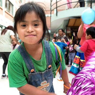 Im Zentrum Yancana Huasy (Lima, Peru) erhalten Kinder mit Behinderung Unterstützung und Fürsorge.