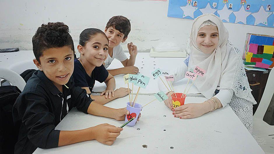 Schülerinnen und Schüler des Schulzentrums in Latakia (Syrien)