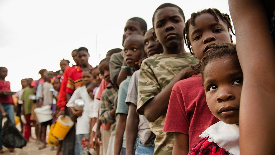 Ein Flüchtlingslager in Jacmel. Hier werden künfitg die Meetings abgehalten um Kinder und Familien über Erdbeben aufzuklären.